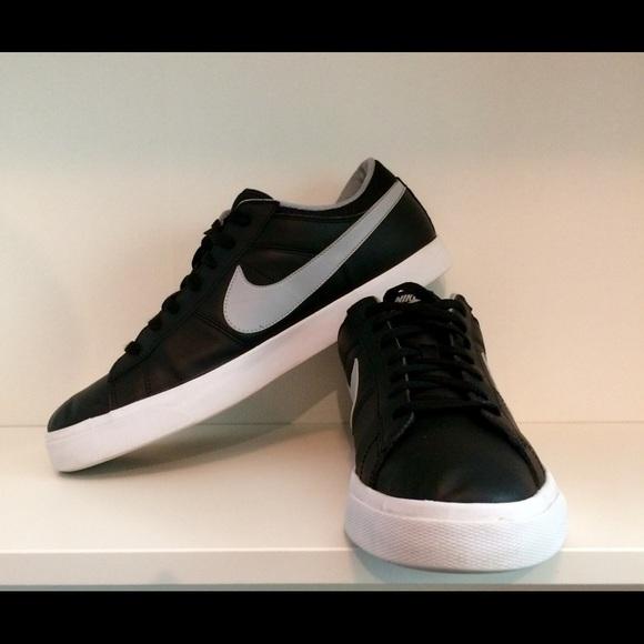 9589cb9b8a2d Nike Match Supreme Leather Sneakers. M 5a56573b85e605ec890111cf